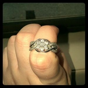 Jewelry - Genuine diamond ring